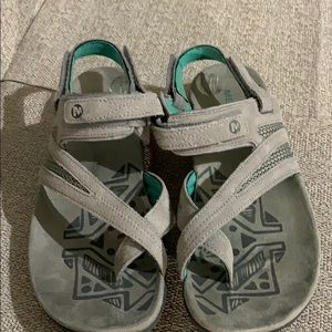 Merrell Strappy Gray Leather Excellent Condition